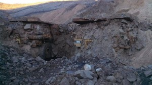 Bad_Day_at_Mining_Site_10022013