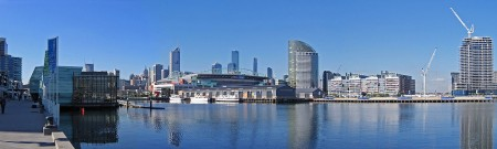 1280px-Melbourne_from_Waterfront_City,_Docklands_Pano,_20.07.06