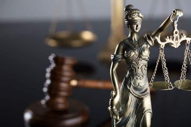 Judges gavel & lady justice