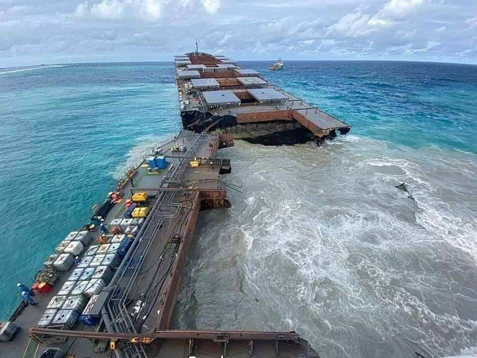 ships in wreck